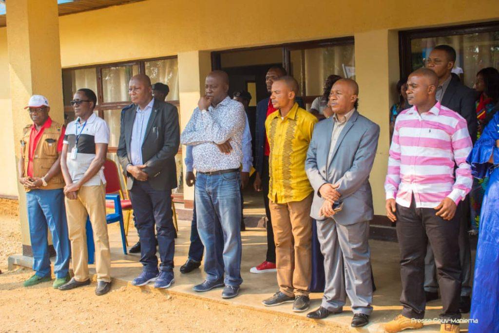 Lors de la remise des semences au Gouvernorat de la province du Maniema. Photo by Chris Milosi.
