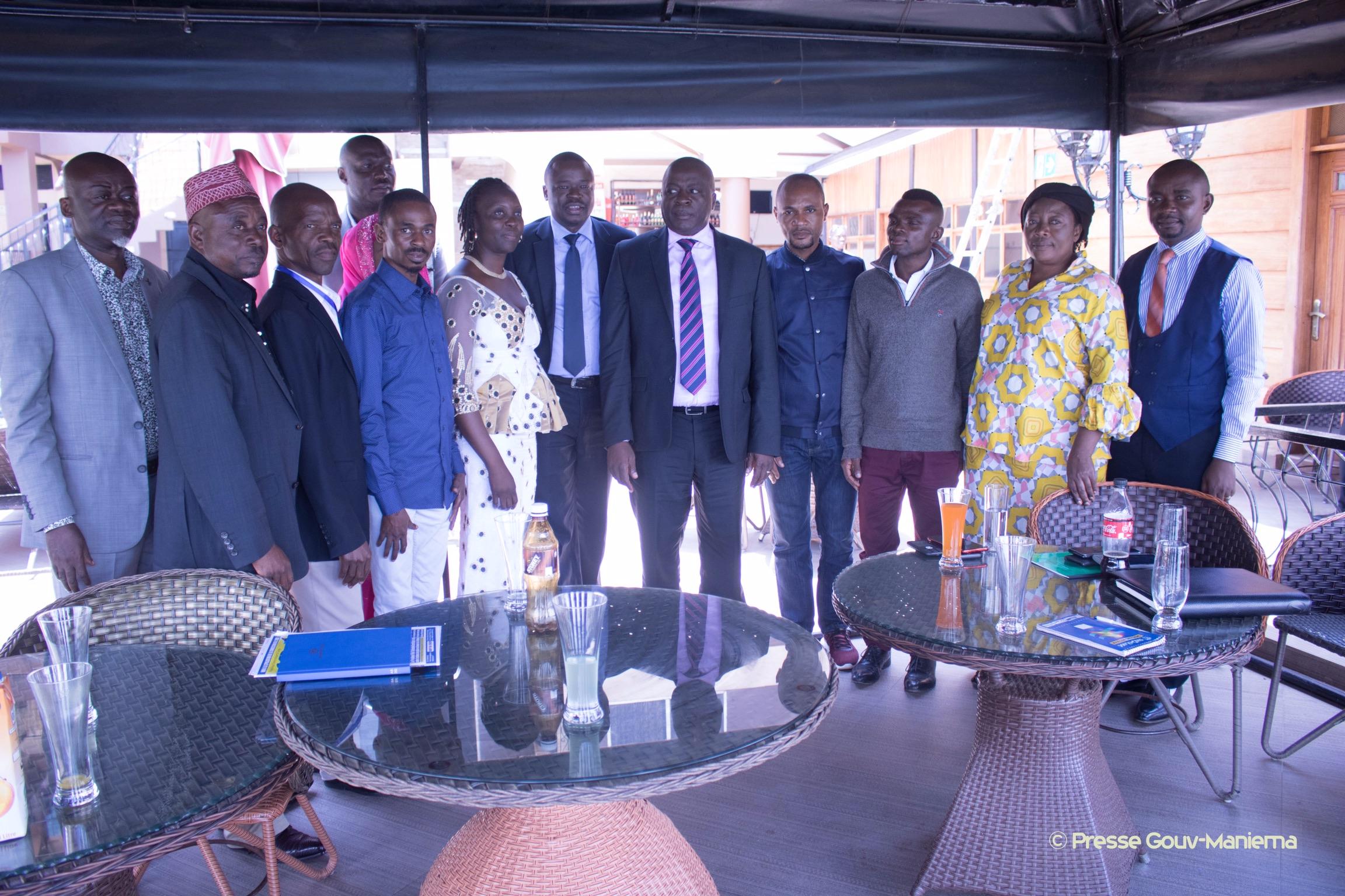 Sud-Kivu : le Gouverneur Auguy Musafiri échange avec les ressortissants du Maniema