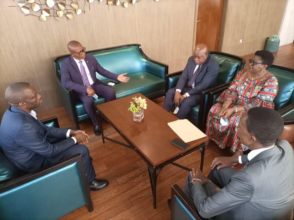 🇨🇩RDC🇨🇩 : Quatre Députés Nationaux se joignent au gouverneur ai AFANI IDRISSA MANGALA pour vendre l'image de Félix Tshisekedi au Maniema
