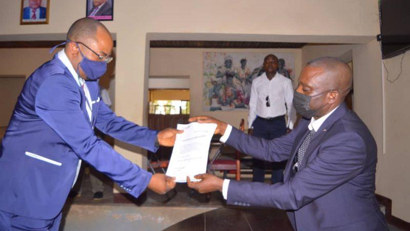 Maniema : Le Gouverneur ai Idrissa Mangala finance 15 projets à impact rapide