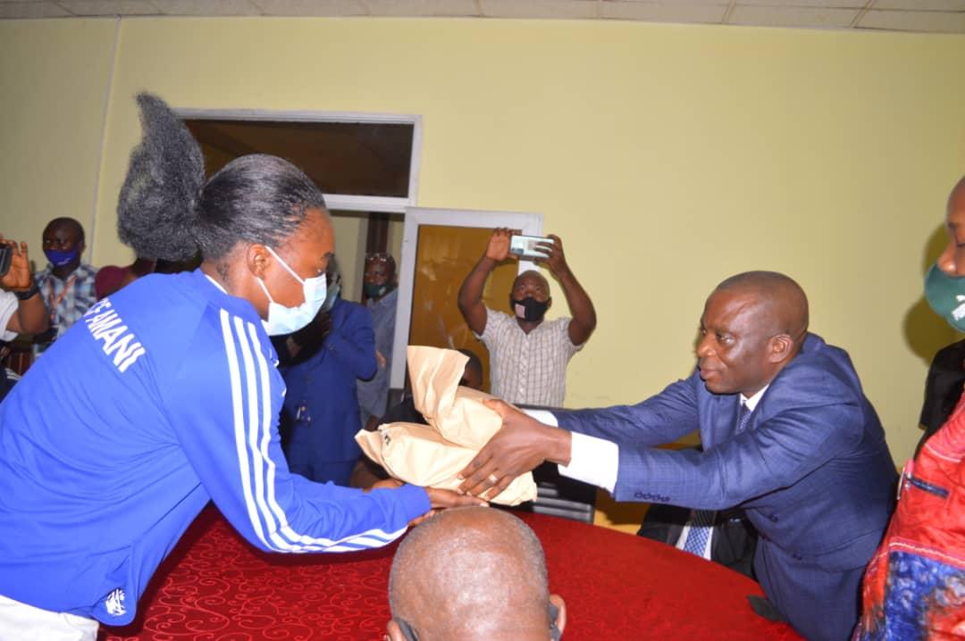 Football : Le Gouv ai Mangala salut la victoire du FCF Amani et prend l'engagement de promouvoir le