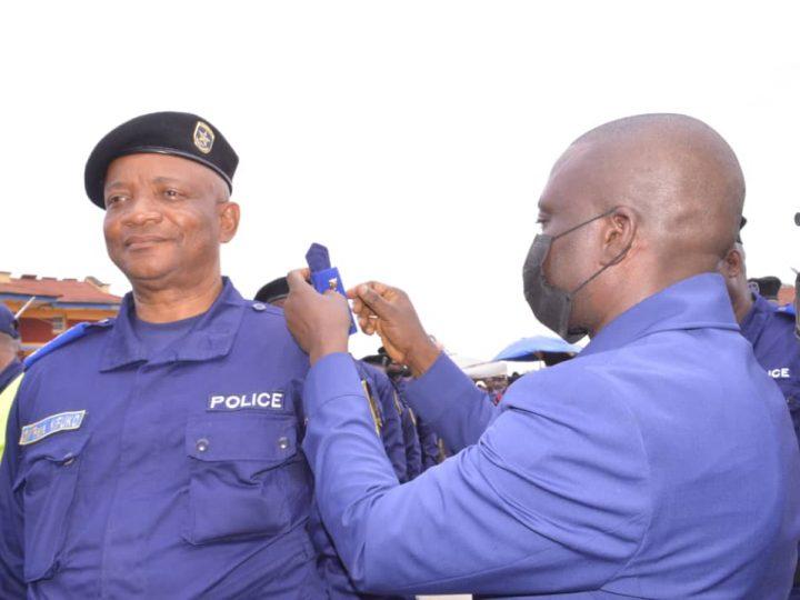 Police : le Gouv ai participe à la cérémonie de reconnaissance des grades des officiers